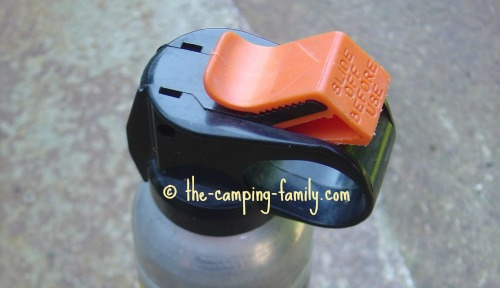 bear repellent clip