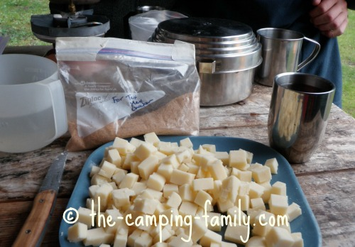 spice mixture and cubed cheese