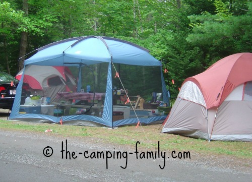 screen tent and dome tent