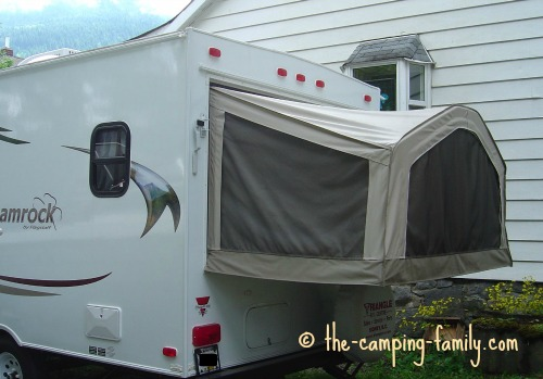 It has the advantages - and some of the disadvantages - of both a standard travel trailer and a tent trailer. & RV Campers: Travel Trailers Pop Up Tent Trailers Truck Campers ...