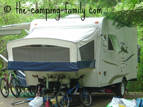 hybrid travel trailer with bunk extended