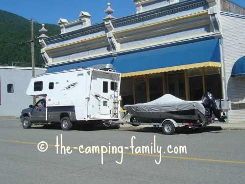 truck camper towing boat