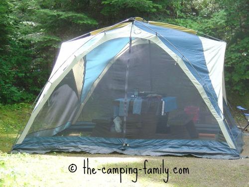 screen tent with large door