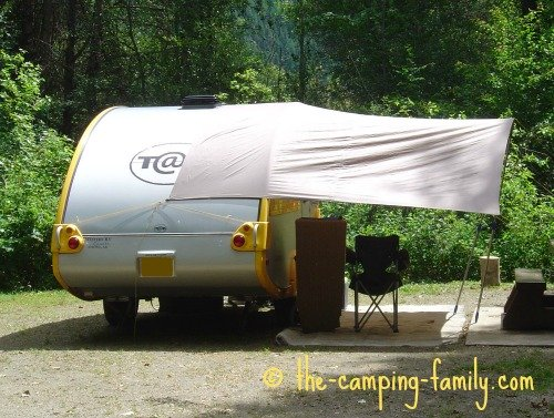Tab trailer with awning