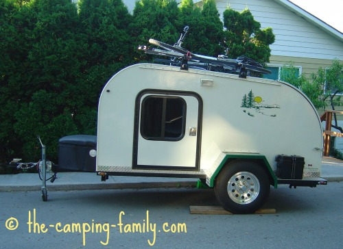 tiny teardrop trailer