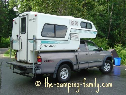 small fiberglass truck camper